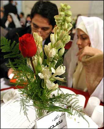 http://hadithezendegi.persiangig.com/image/02/age_marriage.jpg